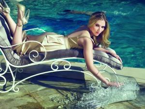 Moet & Chandon Scarlett Johansson