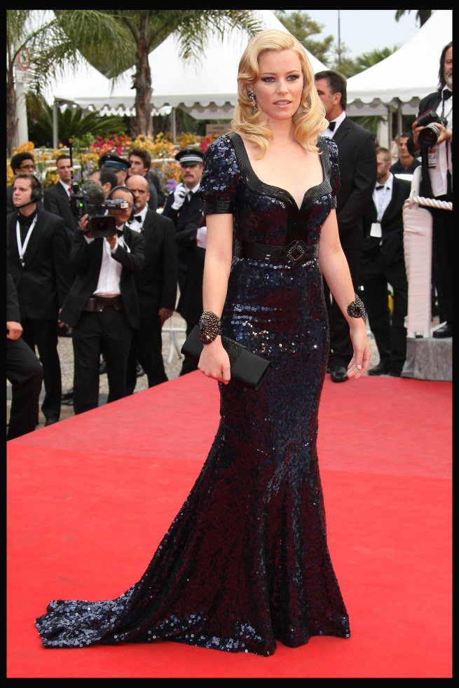 Elisabeth Banks Sequins Cannes