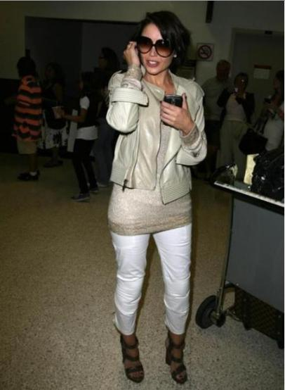 Dannii Minogue July 09 white cropped trousers