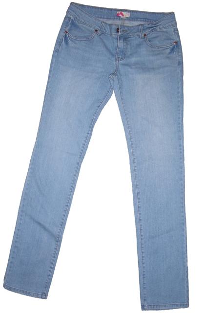 Jeans pre-rip lo-res