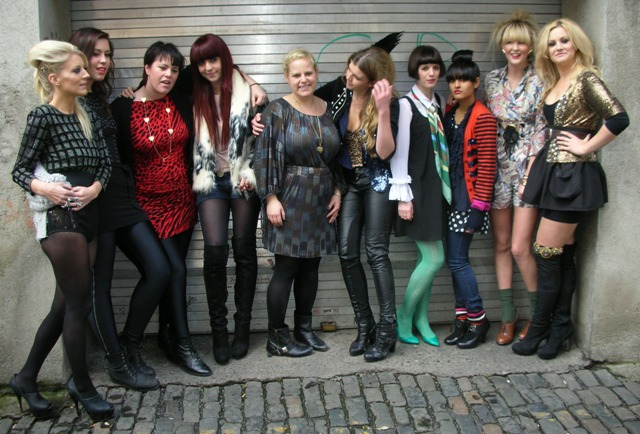 Lily and Corina & Bloggers outside