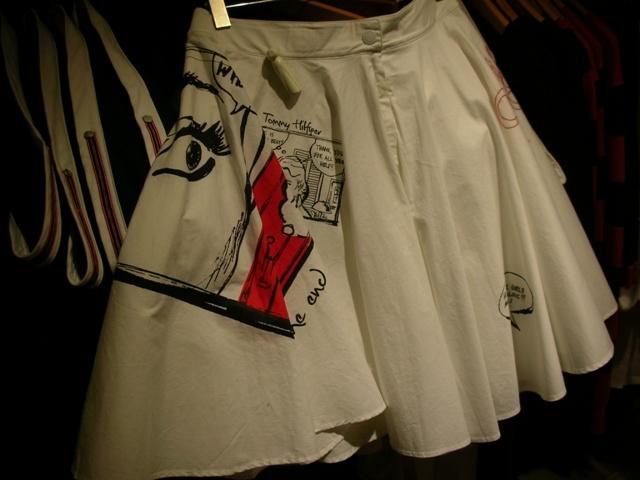 Tommy Hilfiger AW09 Girlswear Roy Lichtenstein-inspired skirt