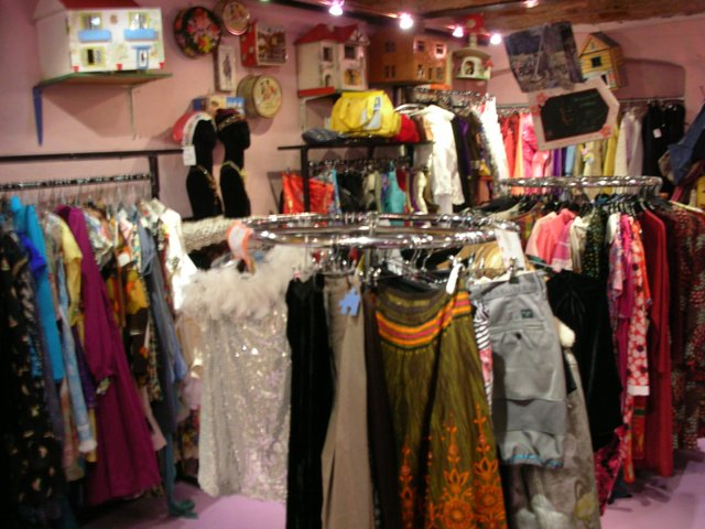 dublin shopping vintage v s traditional whisty