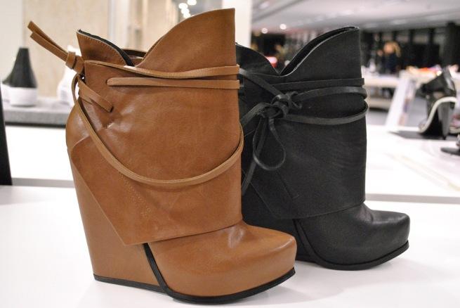 Kurt Geiger Black Tan Boots Turn Down SS13 Whisty